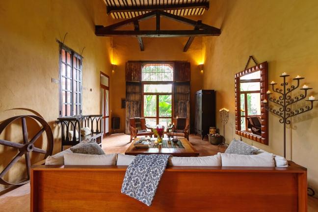 4 SC Hacienda living room