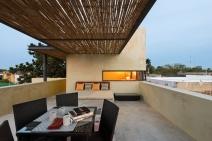 7 MA cn roof