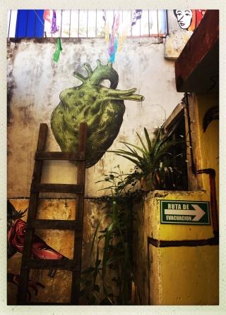 murals at El Apapacho