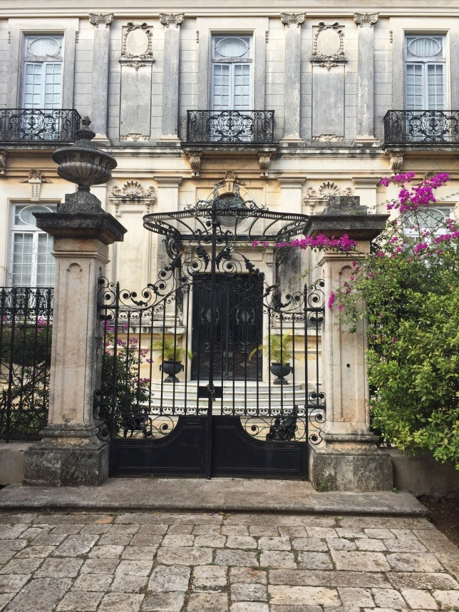 Twin house on Paseo Montejo